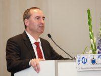 MV 2019: Wirtschaftsminister Aiwanger unterstützt Forderung nach wettbewerbsfähigen Strompreisen